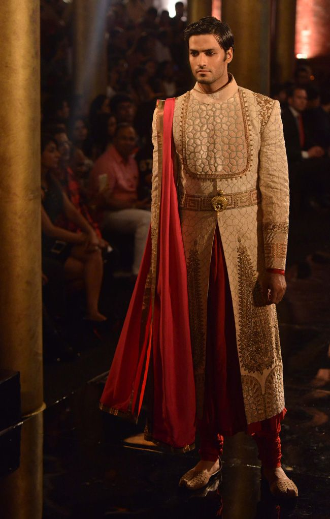 Indian designer sherwanis designs 2018 19 latest collections for Indian wedding dress for mens