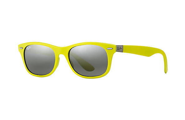 Latest Ray-Ban women Sunglasses - Best designer fashion goggles for Women. (2)