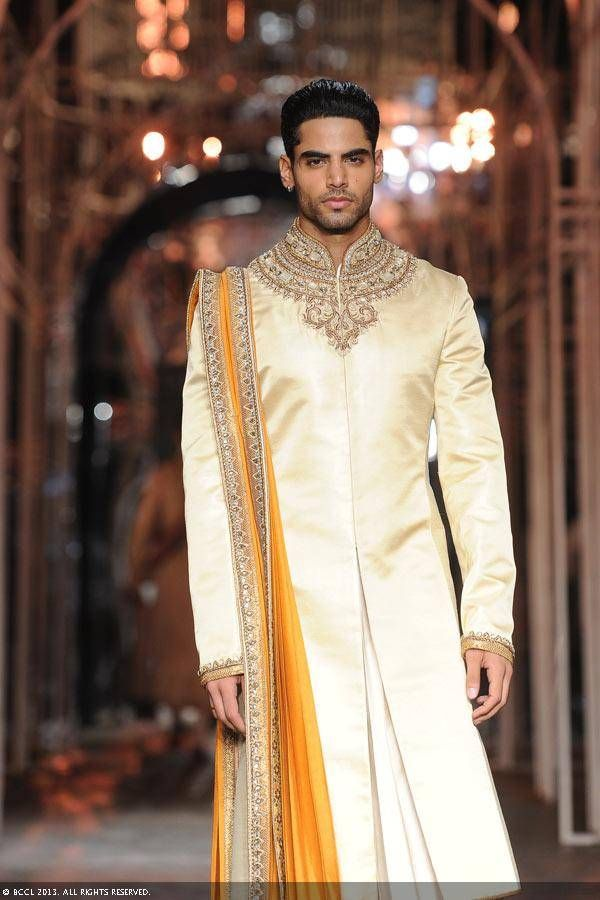 22d1a2415b82 Tarun Tahiliani Latest Collections of Indian Top Designer Men Sherwani  Designs for Weddings   Parties (5)