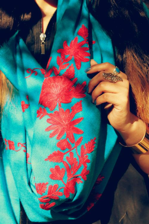Kashmiri Hand Embroidered Shawls Designs Collection for Women (19)