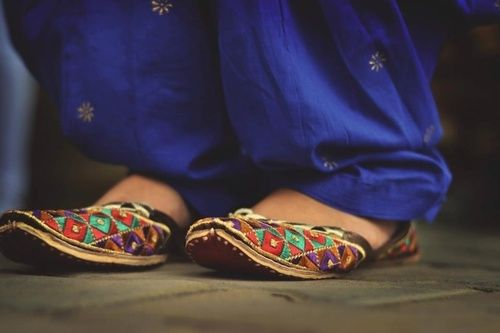 Latest Asian Trends & Collection of Punjabi Jutti Khussa Shoes designs for women 2015-2016 (1)