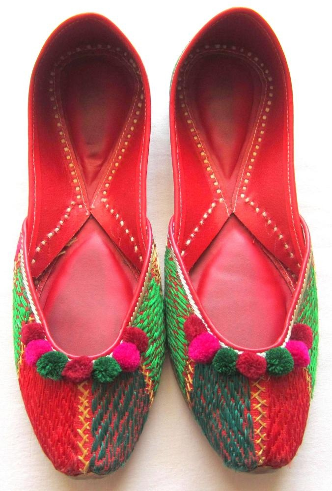 Latest Asian Trends & Collection of Punjabi Jutti Khussa Shoes designs for women 2015-2016 (2)