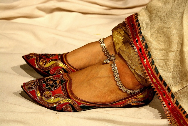 Latest Asian Trends & Collection of Punjabi Jutti Khussa Shoes designs for women 2015-2016 (9)