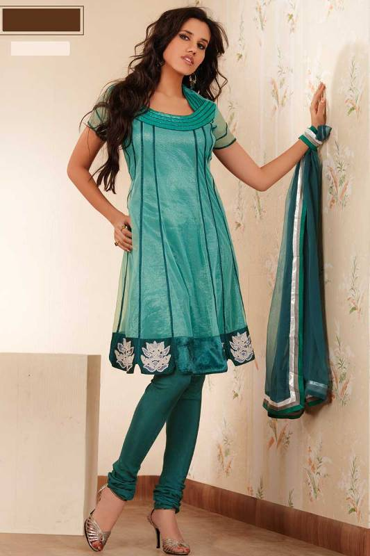 Stylish Plaine & V Shaped with Bann Neck Designs for Casual Kurta Dresses (4)