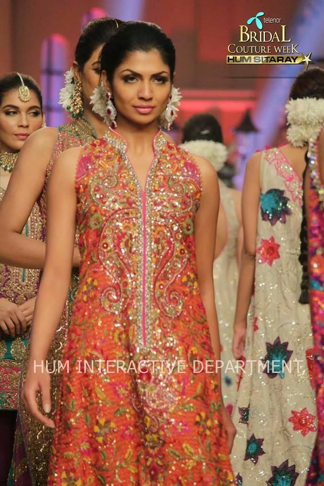 Umer Sayeed Bridal Collection atTelenor Bridal Couture Week 2014-2015 (13)