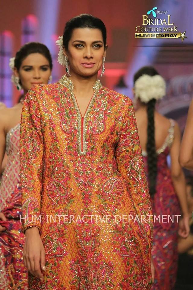 Umer Sayeed Bridal Collection atTelenor Bridal Couture Week 2014-2015    (14)