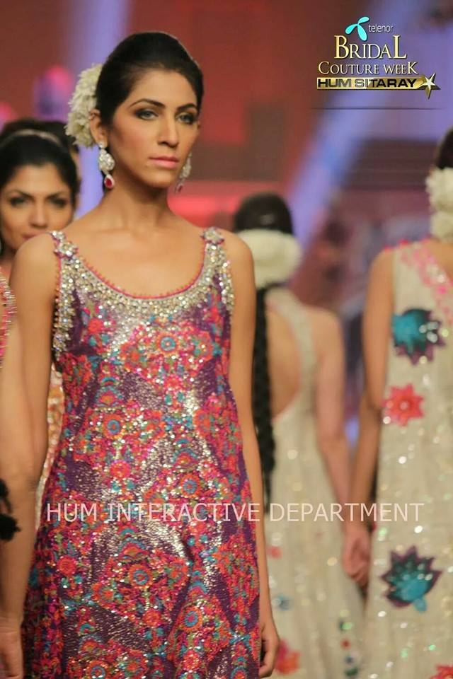 Umer Sayeed Bridal Collection atTelenor Bridal Couture Week 2014-2015 (18)