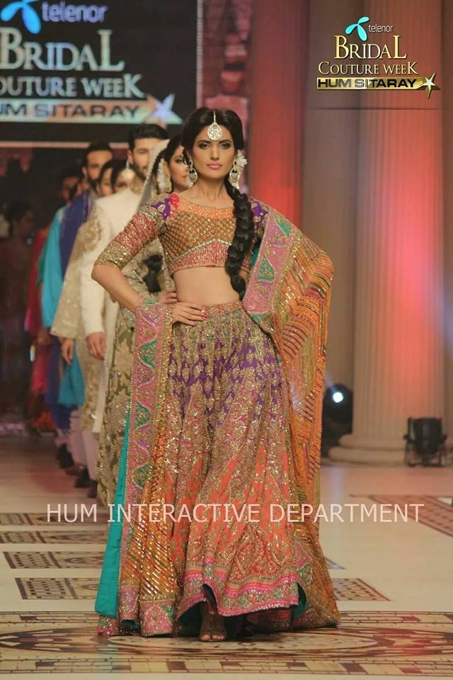 Umer Sayeed Bridal Collection atTelenor Bridal Couture Week 2014-2015    (22)