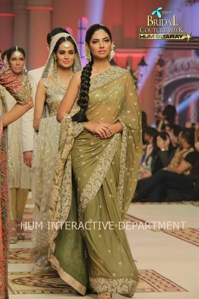 Umer Sayeed Bridal Collection atTelenor Bridal Couture Week 2014-2015    (25)