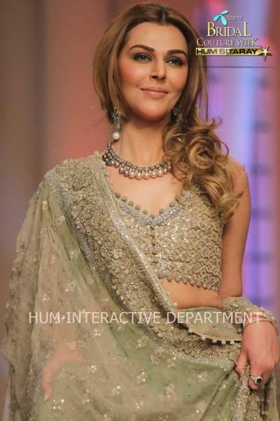 Umer Sayeed Bridal Collection atTelenor Bridal Couture Week 2014-2015 (30)