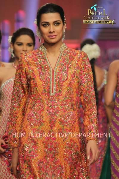 Umer Sayeed Bridal Collection atTelenor Bridal Couture Week 2014-2015    (31)