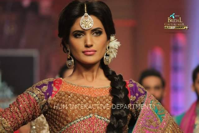 Umer Sayeed Bridal Collection atTelenor Bridal Couture Week 2014-2015 (39)