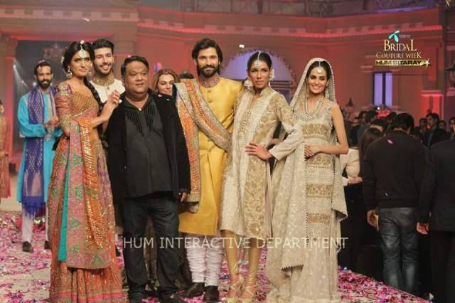 Umer Sayeed Bridal Collection atTelenor Bridal Couture Week 2014-2015    (40)