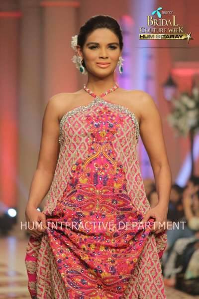 Umer Sayeed Bridal Collection atTelenor Bridal Couture Week 2014-2015    (41)
