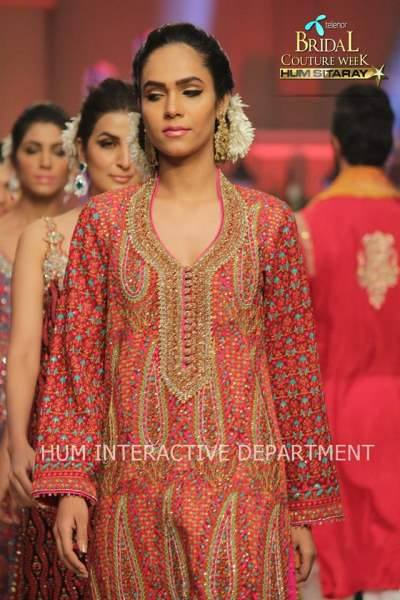 Umer Sayeed Bridal Collection atTelenor Bridal Couture Week 2014-2015    (42)