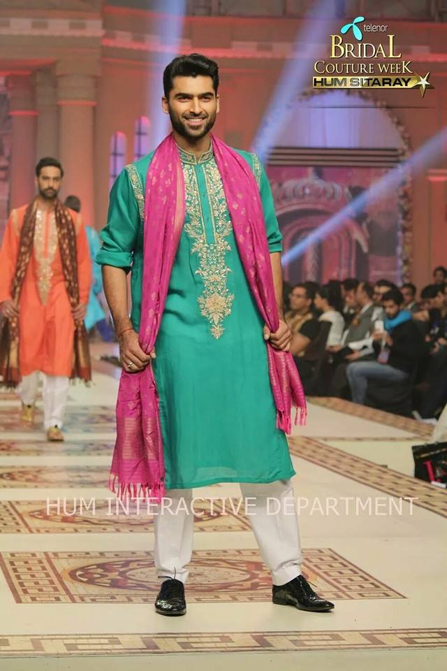 Umer Sayeed Bridal Collection atTelenor Bridal Couture Week 2014-2015 (43)
