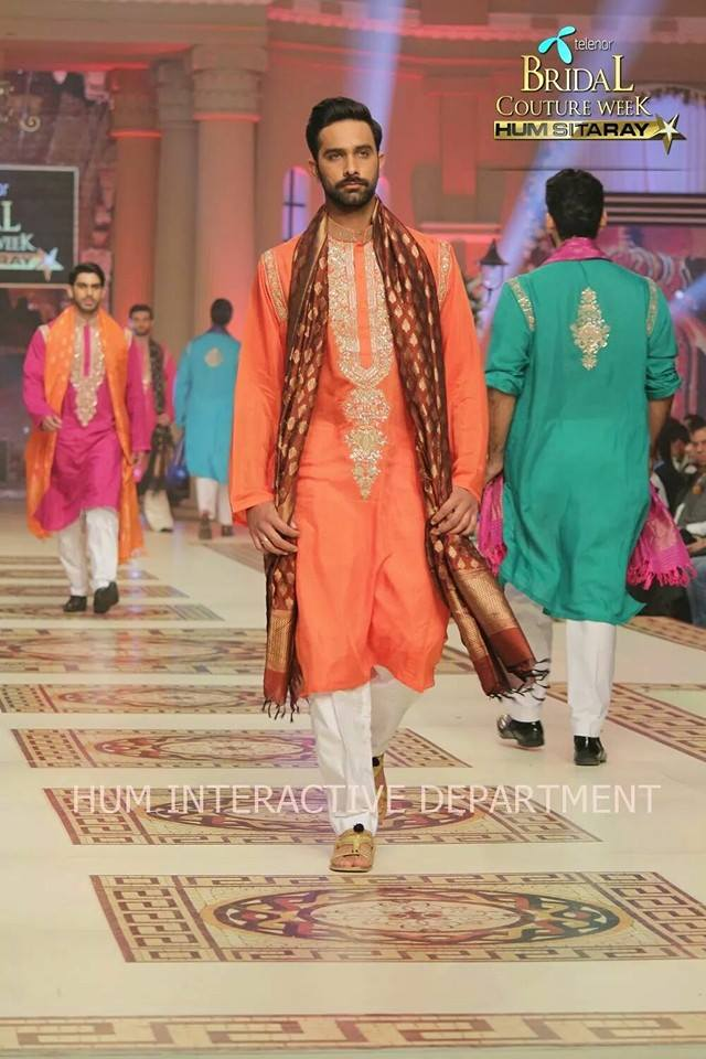 Umer Sayeed Bridal Collection atTelenor Bridal Couture Week 2014-2015 (9)