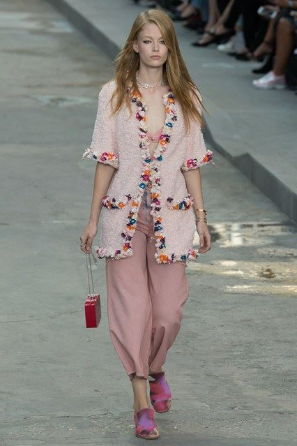 CHANEL Spring-Summer 2015 Haute Couture Fashion Show - Ready To Wear Dresses (4)