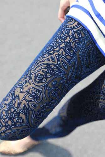 Latest Styles & Designs of Women Printed Embroidered Tights, Leggings & Capri Collection 2015-2016 (19)