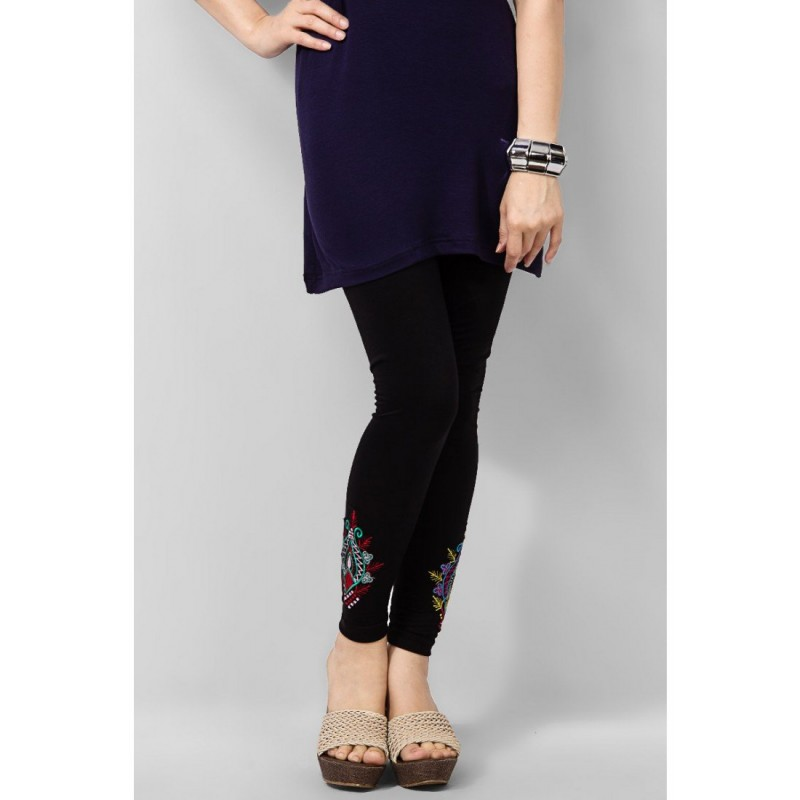 Latest Styles & Designs of Women Printed Embroidered Tights, Leggings & Capri Collection 2015-2016 (31)