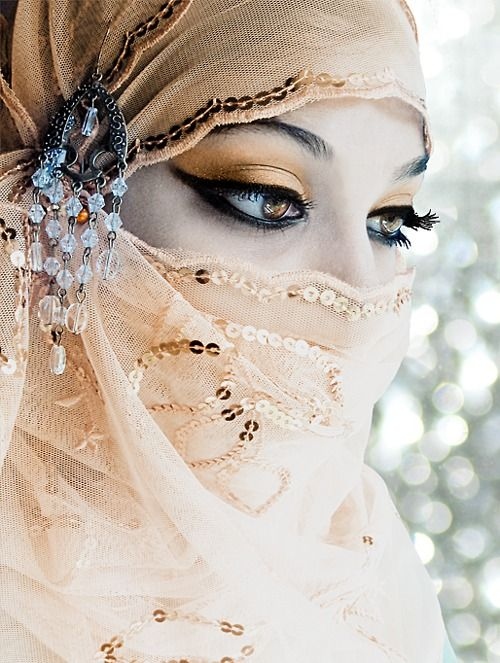 Step by Step Arabic Party Wear & Bridal Eye & Complete Face Makeup Tutorial with Pictures (7)