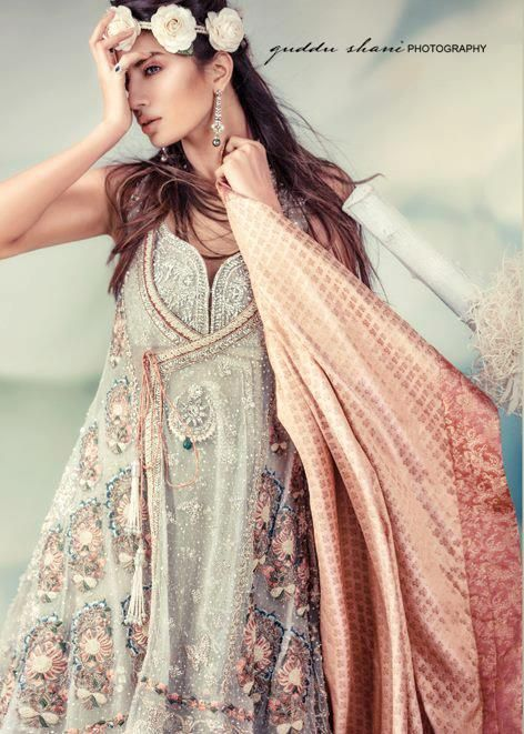 Latest Asian Fashion Engagement Dresses Designs Collection for Wedding Brides 2015-2016 (13)