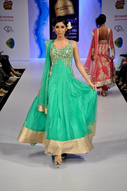 Latest Asian Fashion Engagement Dresses Designs Collection for Wedding Brides 2015-2016 (24)