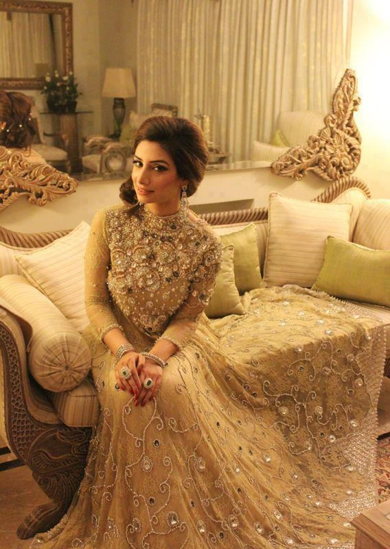Latest Asian Fashion Engagement Dresses Designs Collection for Wedding Brides 2015-2016 (30)