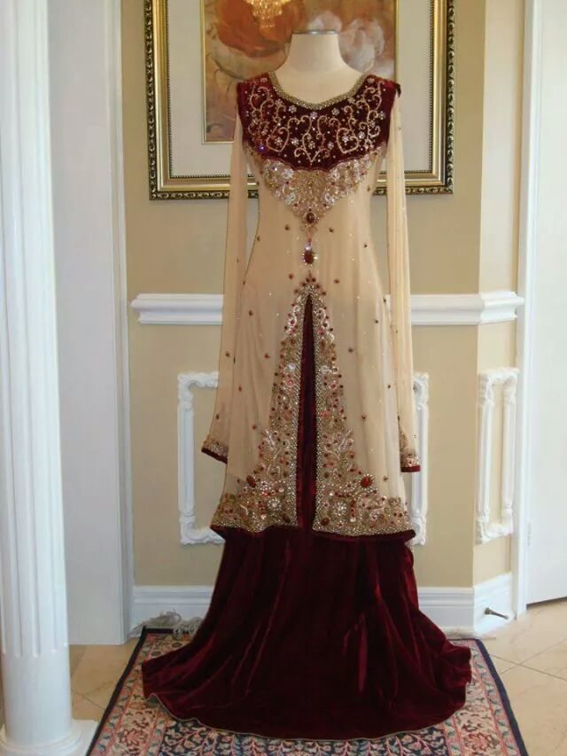 Latest Asian Fashion Engagement Dresses Designs Collection for Wedding Brides 2015-2016 (31)