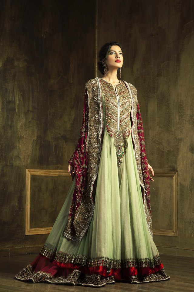 Latest Asian Fashion Engagement Dresses Designs Collection for Wedding Brides 2015-2016 (32)