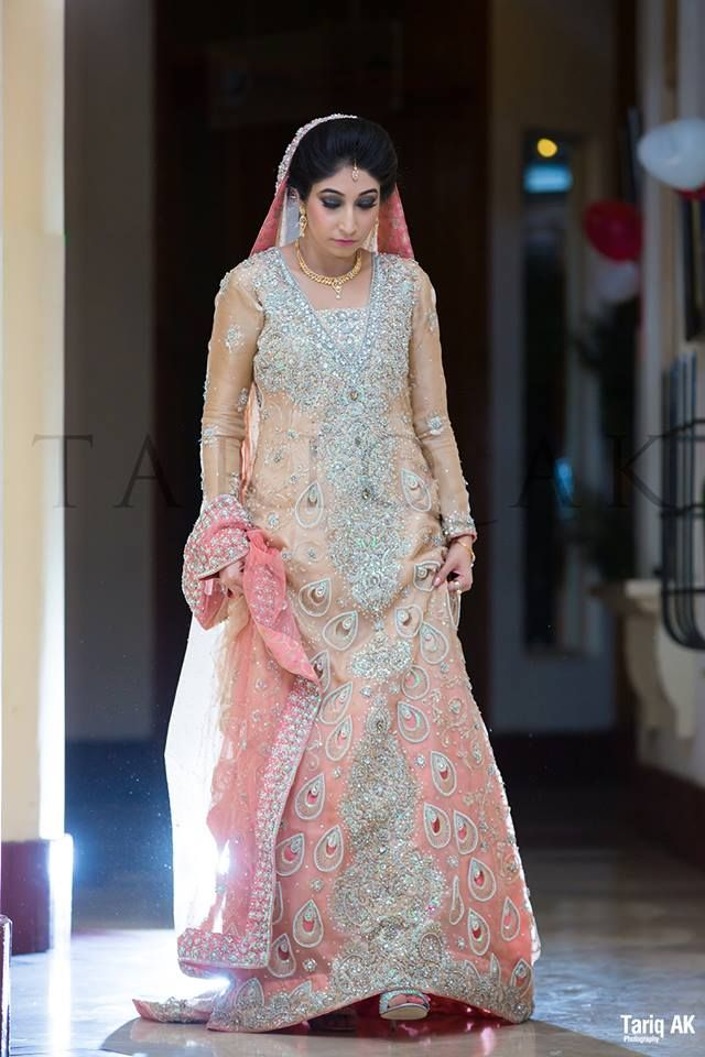 Latest Asian Fashion Engagement Dresses Designs Collection for Wedding Brides 2015-2016 (4)