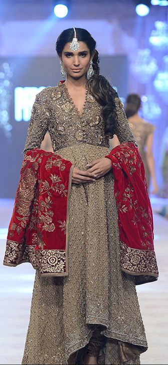 Latest Asian Fashion Engagement Dresses Designs Collection for Wedding Brides 2015-2016 (7)