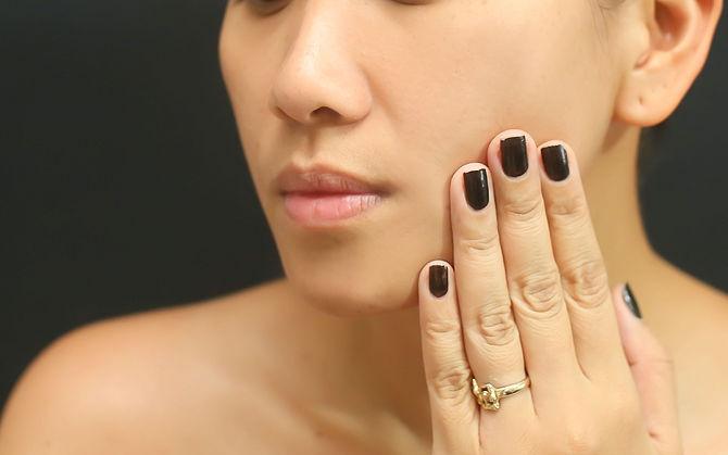 Αποτέλεσμα εικόνας για touching your makeup