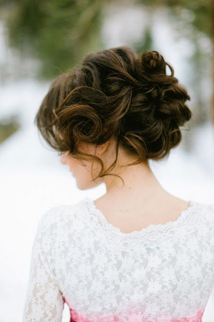 Top Amazing Bridal Wedding Hairstyles Trends & looks You Should Must Try on Your Big Day (21)