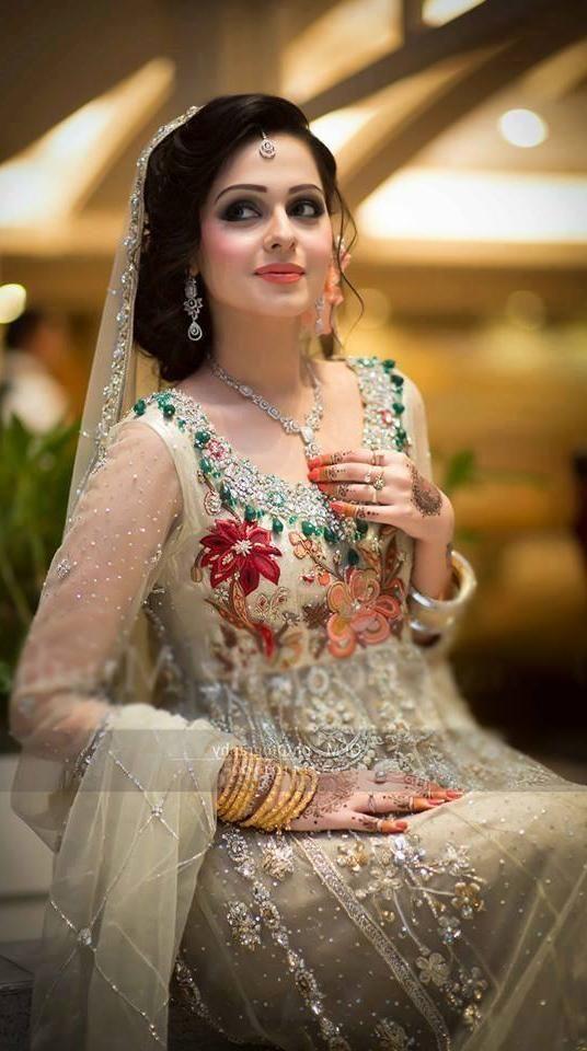 bridal wedding hairstyles trends 20162017