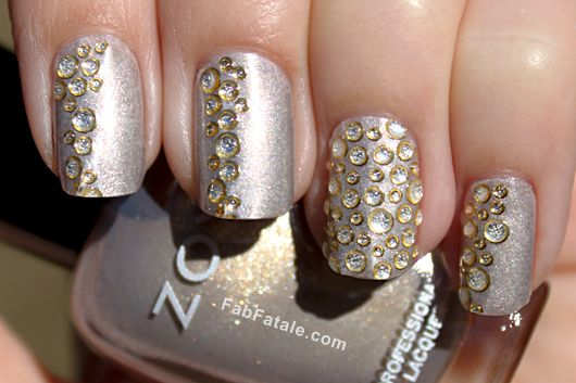 how-to-do-a-rhinestones-nail-art (12)