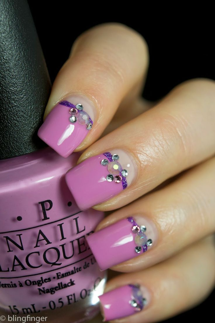 how-to-do-a-rhinestones-nail-art (20)