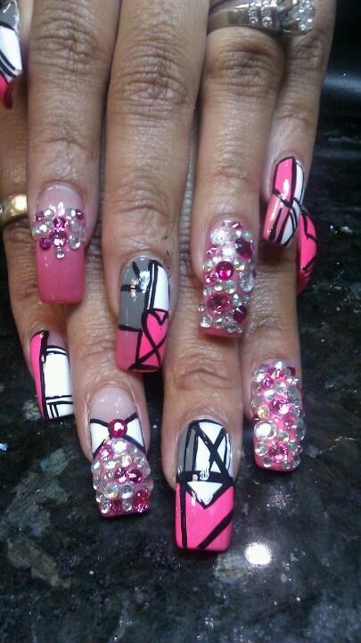 how-to-do-a-rhinestones-nail-art (37)