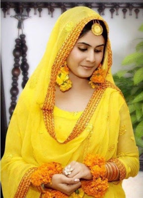 Best Mehndi Dresses Designs Collection for Girls 2015-2016 (1)