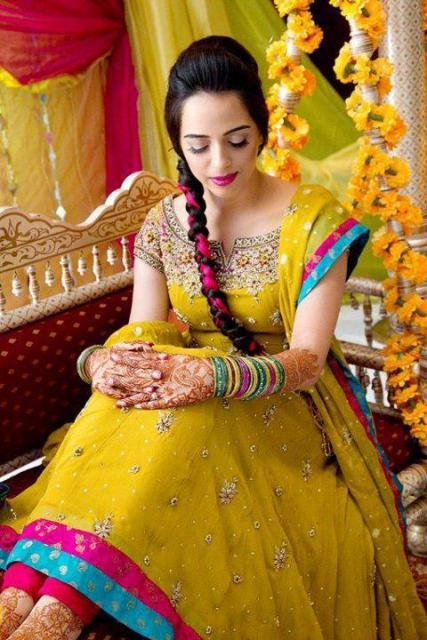 Best Mehndi Dresses Designs Collection for Girls 2015-2016 (39)