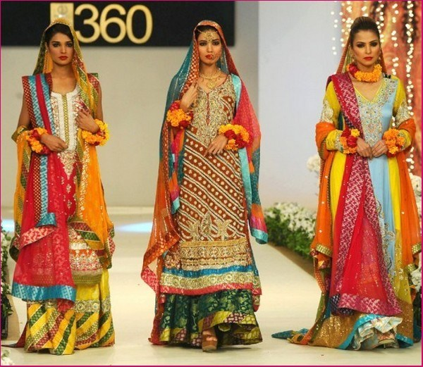 Best Mehndi Dresses Designs Collection for Girls 2015-2016 (41)