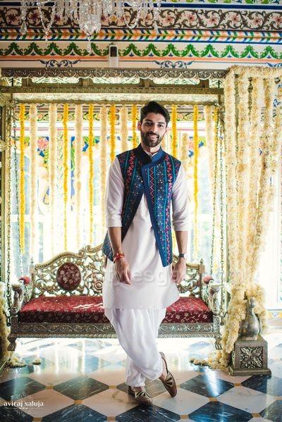 c13273fcd3 Latest Men Mehndi Dresses Kurta Shalwar Kameez Designs 2019-2020