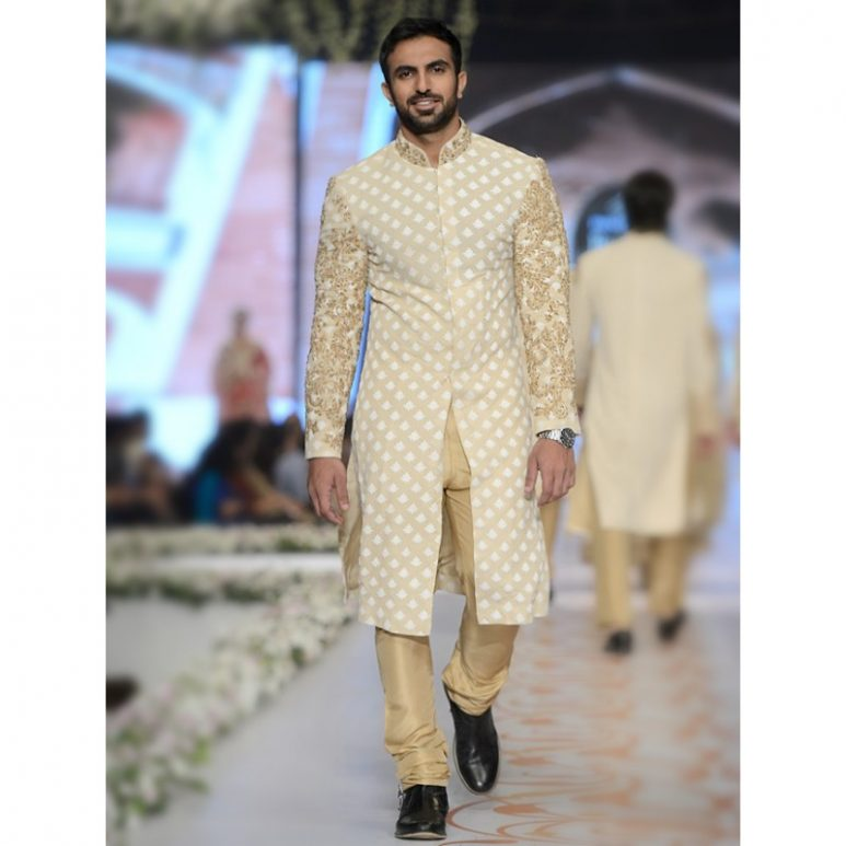 Wedding Dresses For Men: HSY Latest Men Wedding Sherwani Kurtas Collection 2018-2019
