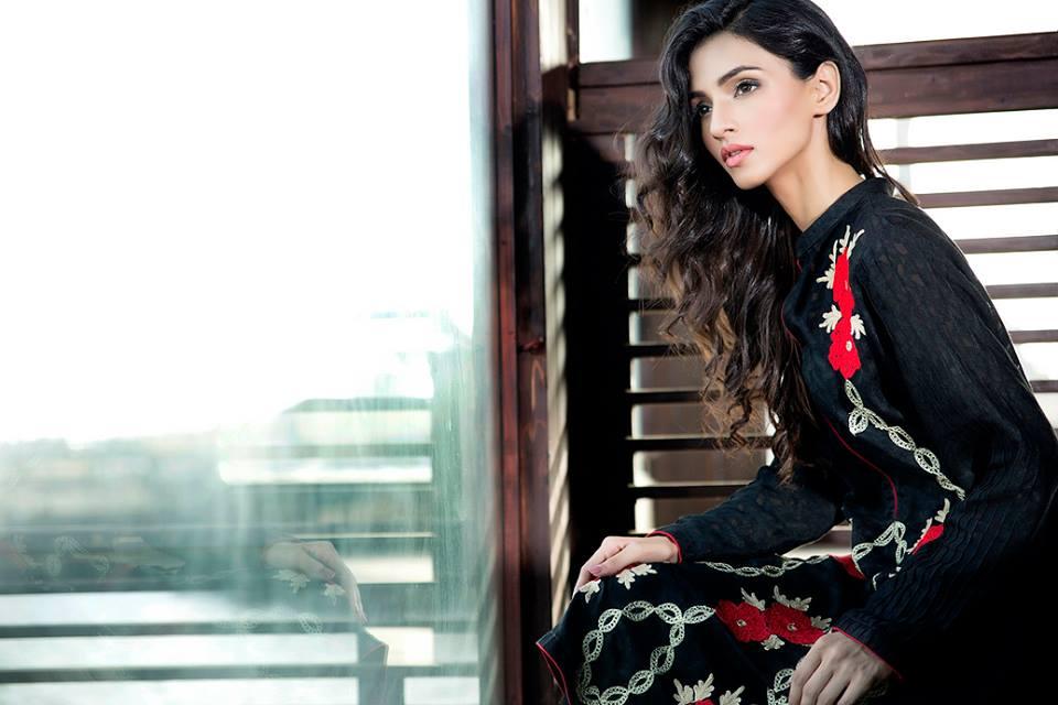 Zainab Hasan Chantilly De Lace Eid Formal Dresses Collection 2015-2016 (1)