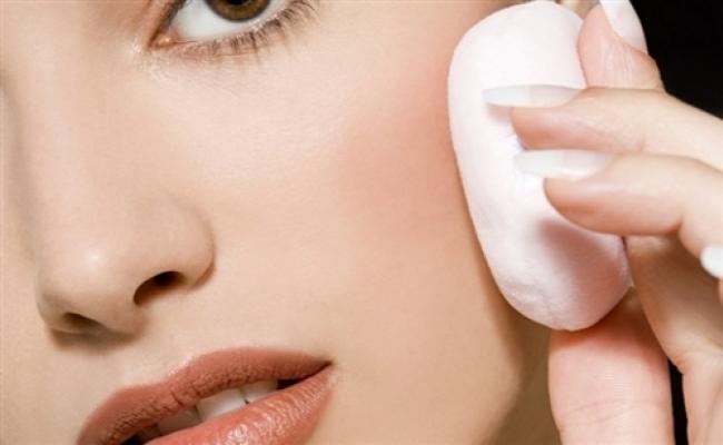 Preparing Skin for Makeup-1