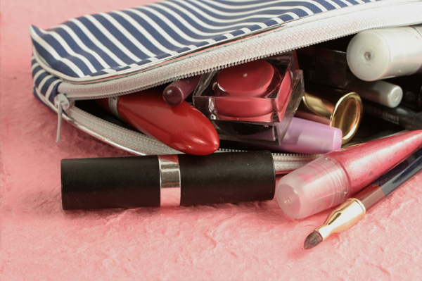 5 Must Have Makeup Products In Your Bag- Every Girl Should Know