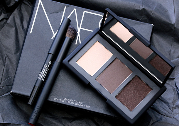 5 Must Have Makeup Items in Your Bag- Every Girl Should Know (5)