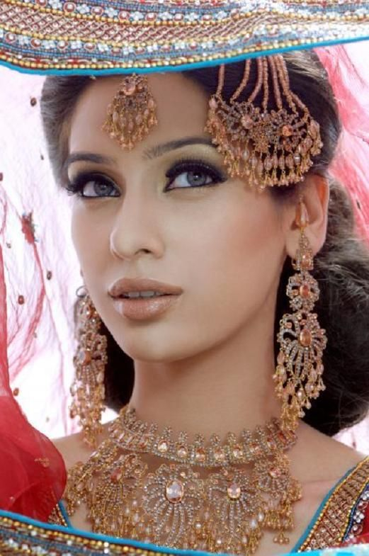 Indian Bridal Wedding makeup Looks (2)