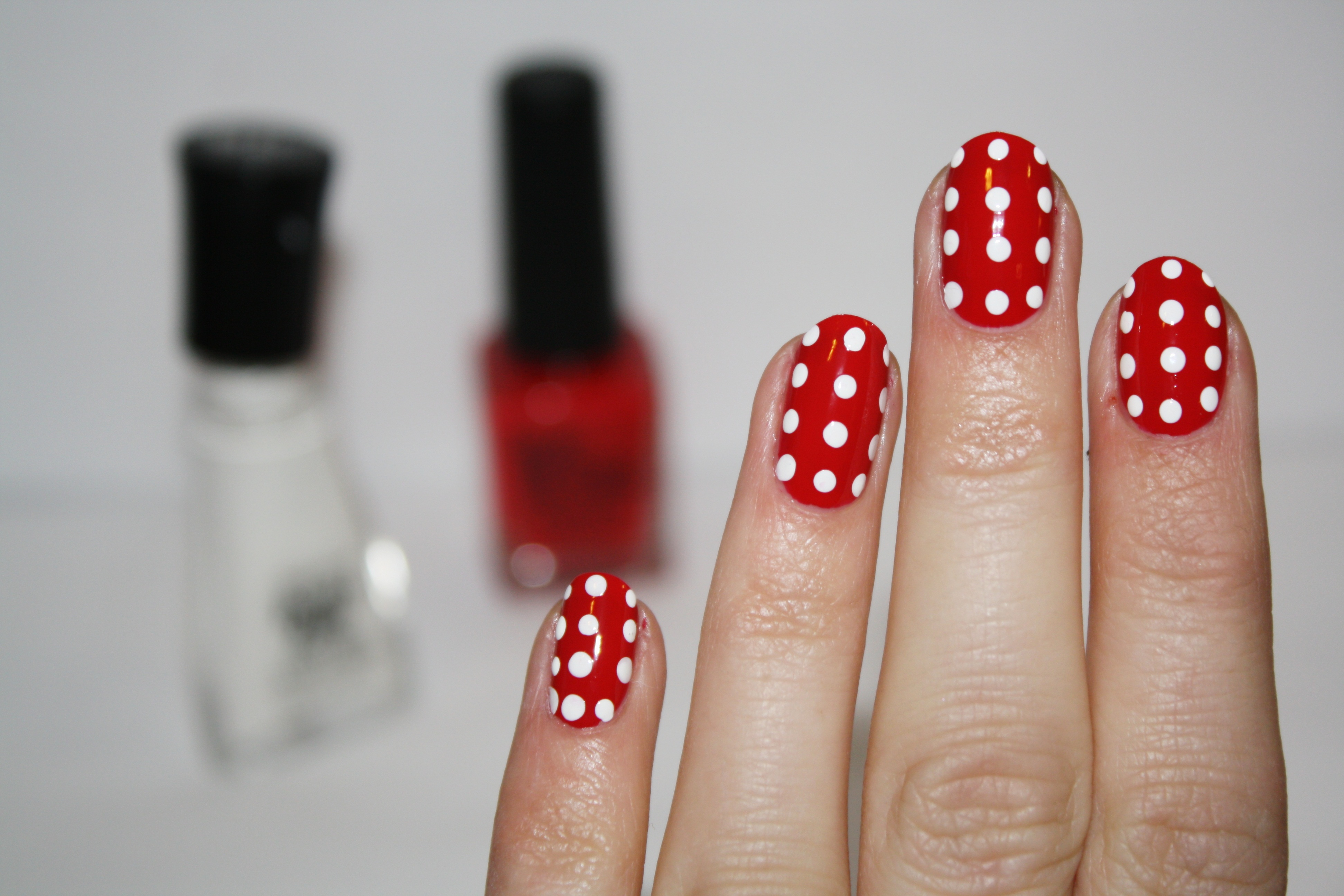 Lines And Polka Dot Nail Arts Designs Tutorials 13 Stylesgap Com