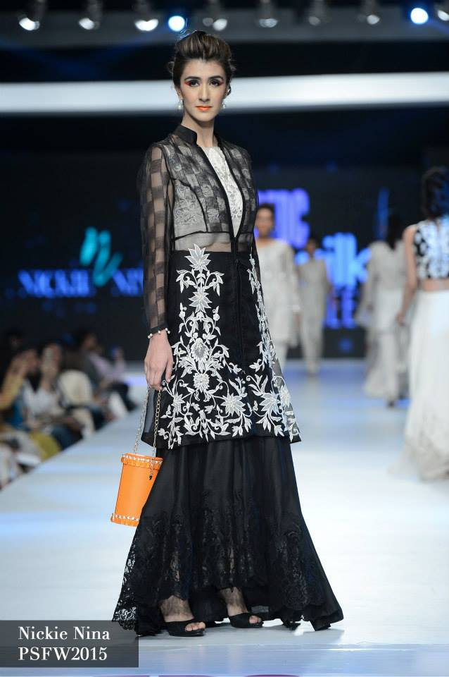 Nickie Naina Collection at sunsilk fashion week 2015-2016 (1)